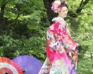 結婚式の髪型特集。着物スタイル!花嫁さんもお呼ばれさんも♪のサムネイル画像
