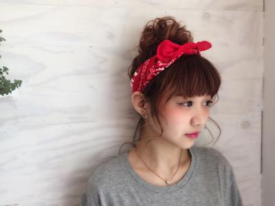 大人でも簡単で可愛い夏にぴったりヘアーアレンジしてみませんか?のサムネイル画像