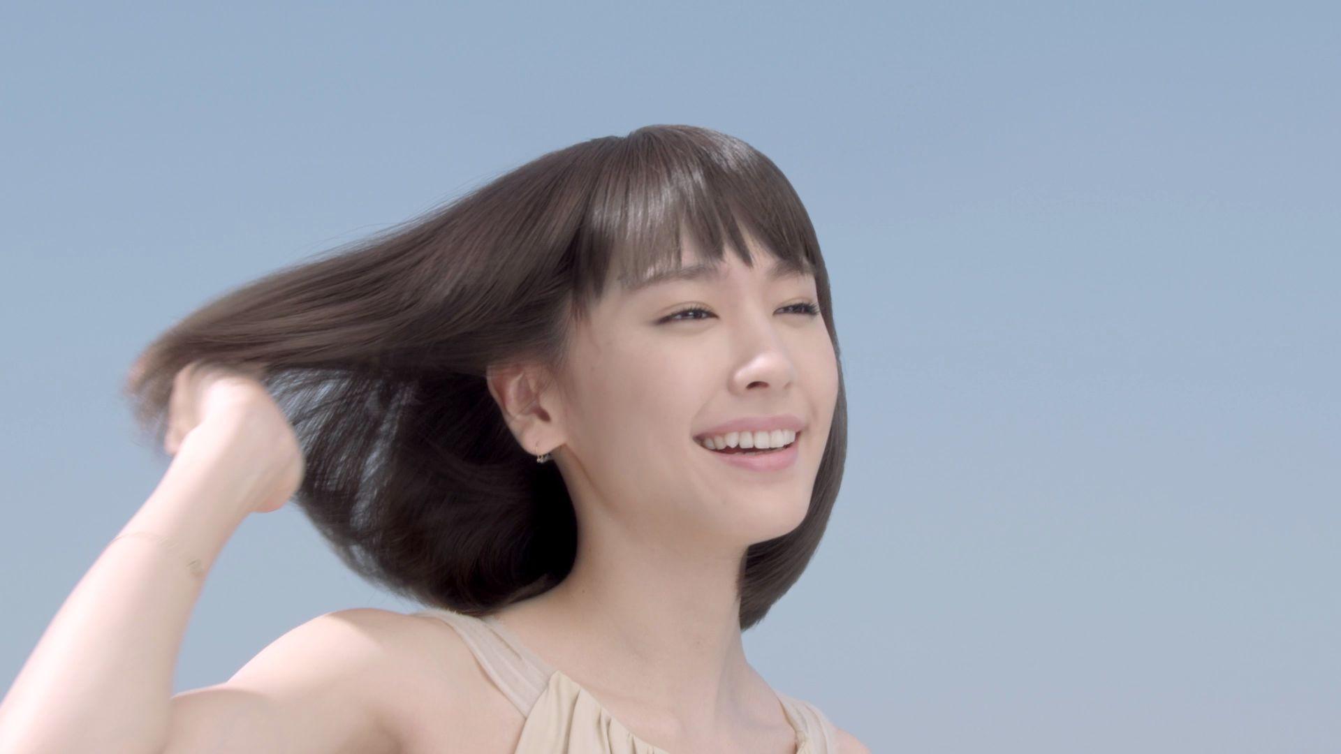 【ヘアケアの方法・コスメ】髪の毛がはやく伸びる方法を知りたい!のサムネイル画像