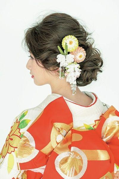 結婚式の和装に華やぎを添える!おすすめのかんざしカタログのサムネイル画像