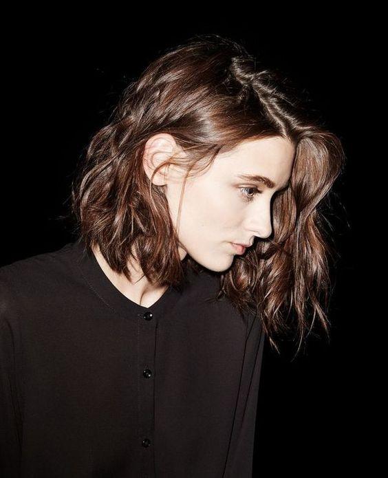 可愛くて大人っぽい!ロブのヘアースタイルはアレンジもできて万能!のサムネイル画像