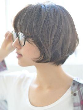 """【必見】""""メガネ女子""""が知っておきたい前髪アレンジはコレ!のサムネイル画像"""