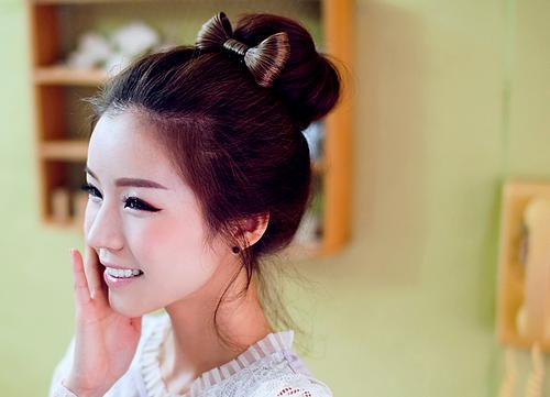 自分で作れる可愛い髪型とまとめ髪の簡単アレンジ方法をご紹介しますのサムネイル画像