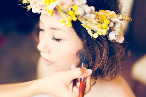 保存版!真似したくなるショートヘアーのかわいい花嫁ヘアアレンジのサムネイル画像