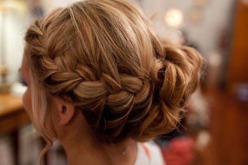 ショートヘアをもっと可愛く♡簡単♡前髪編み込みアレンジ♡のサムネイル画像