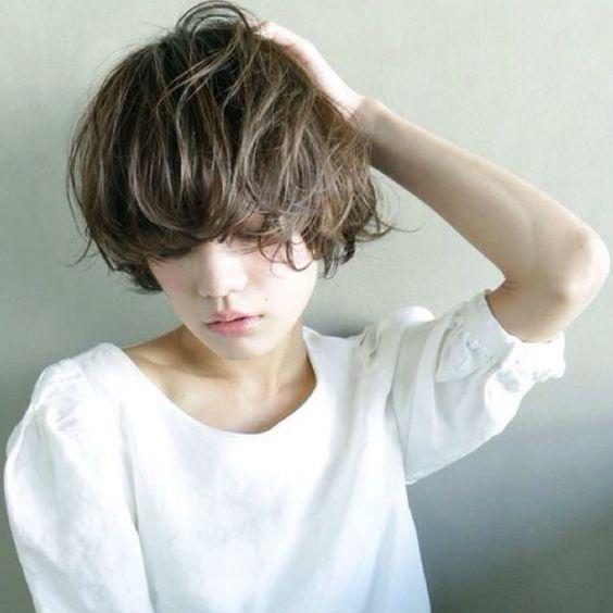 ショートボブに夢中♡大人可愛いショートボブのヘアスタイルのサムネイル画像