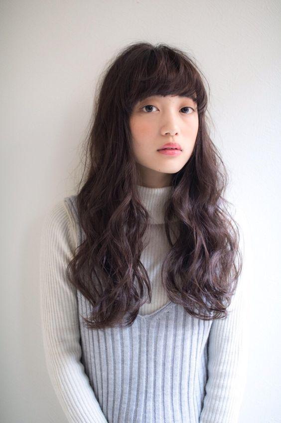 大人っぽくおしゃれに!素敵な暗髪ヘアカタログが盛りだくさん!のサムネイル画像