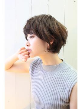 【2016~2017年秋冬】今トレンドのショートボブのヘアカタログのサムネイル画像