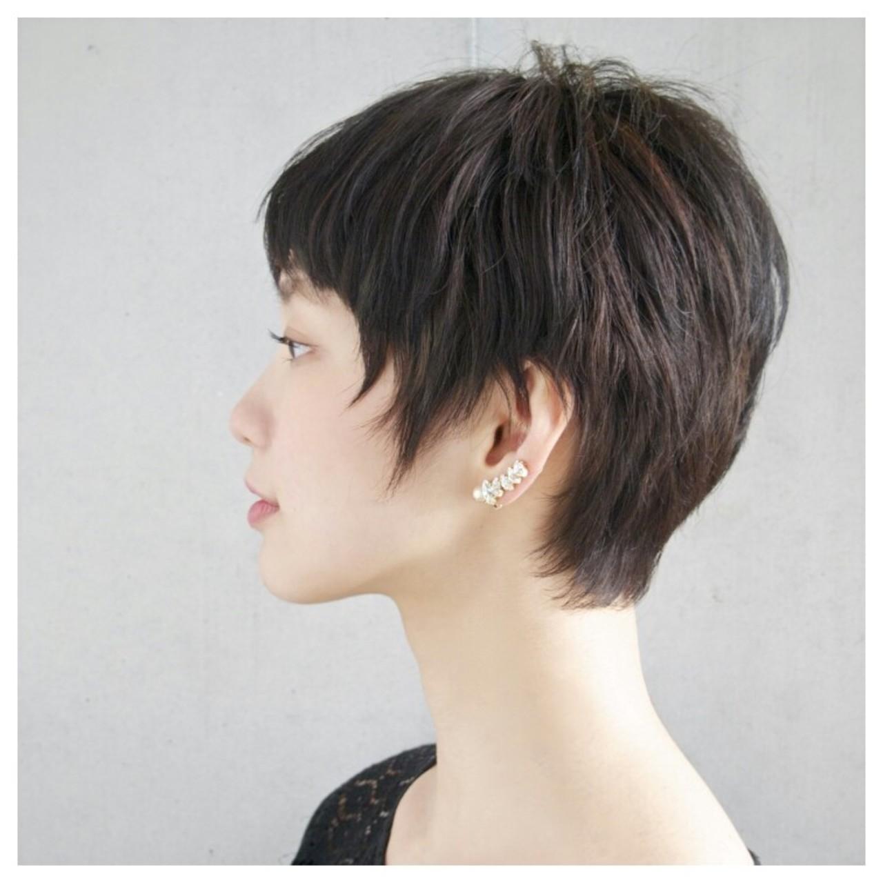 """""""可愛い""""も""""美人""""も作れる黒髪ストレートのショートヘアカタログのサムネイル画像"""
