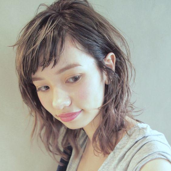 そろそろ春髪にチェンジ♡イチオシのセミロング×レイヤーで軽やかにのサムネイル画像