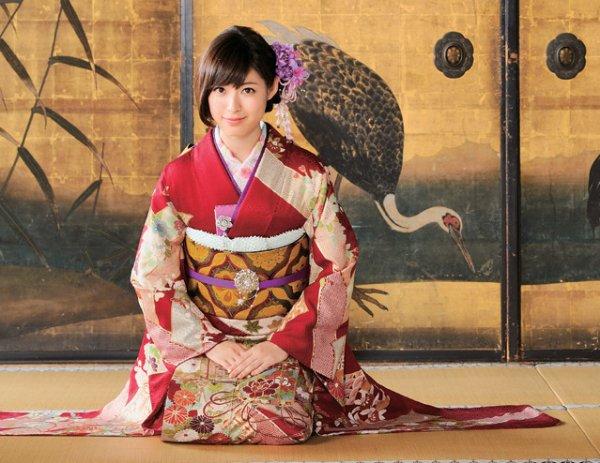 結婚式ならだんぜん和装がおすすめ!おしゃれ可愛い髪型カタログのサムネイル画像