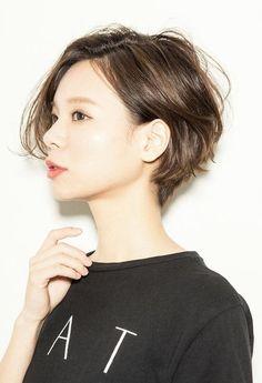 今、ショートヘアが可愛い♡【アレンジも可能】ショートヘアのすすめのサムネイル画像