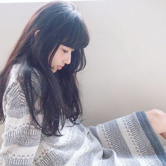 かわいくてごめん‼『黒髪ロング×ぱっつん』ヘアカタログ♡のサムネイル画像
