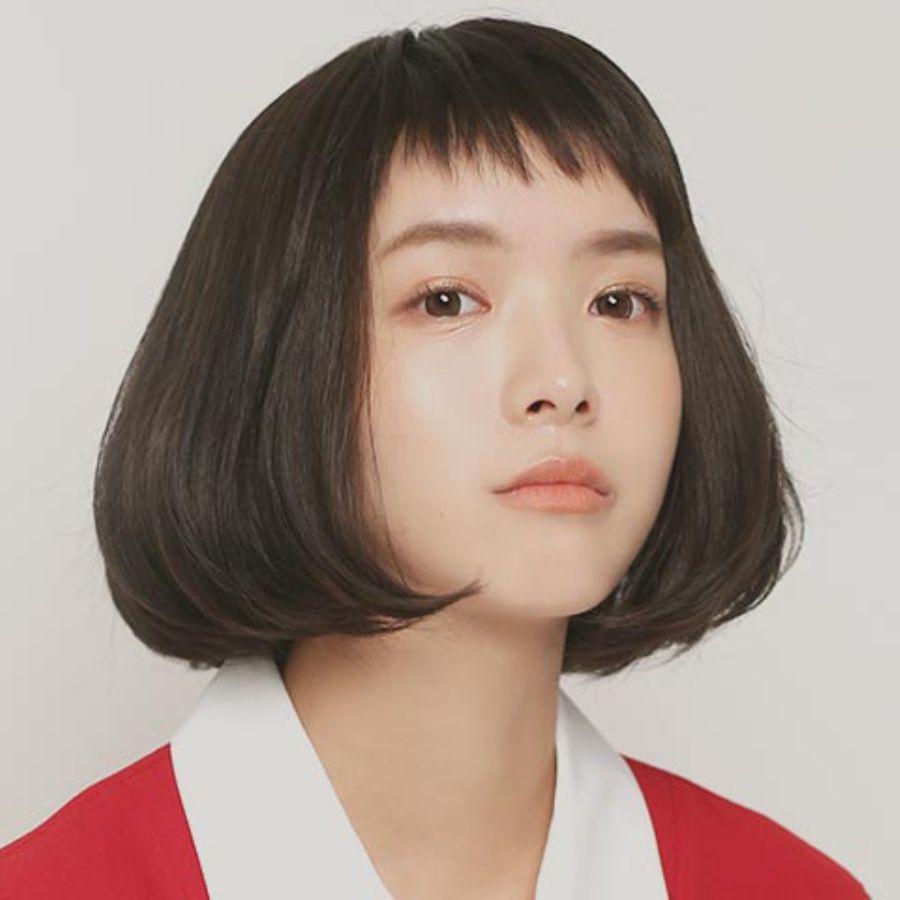 前髪は斜めカットで差をつける!おしゃれな斜めカットの前髪画像のサムネイル画像