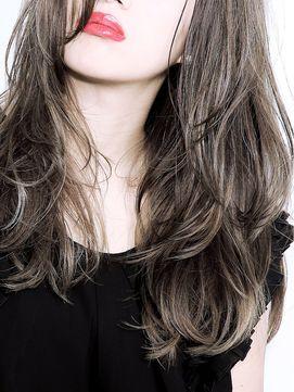 今っぽセミロングの可愛い髪型とアレンジ方法を大特集します!のサムネイル画像