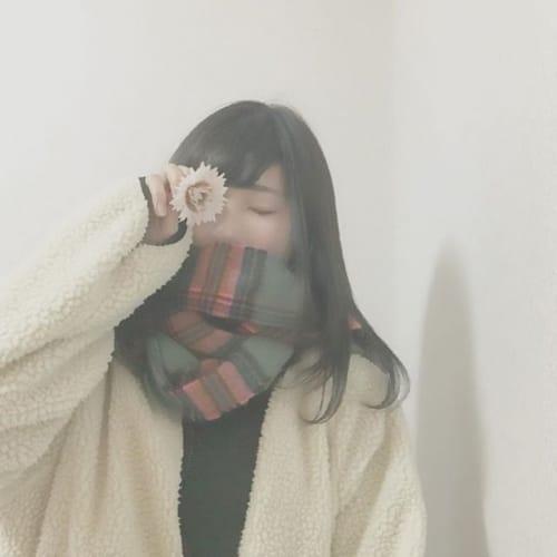 【マフラー女子】のお悩みレスキュー!マフラー巻いて崩れないヘア♡のサムネイル画像