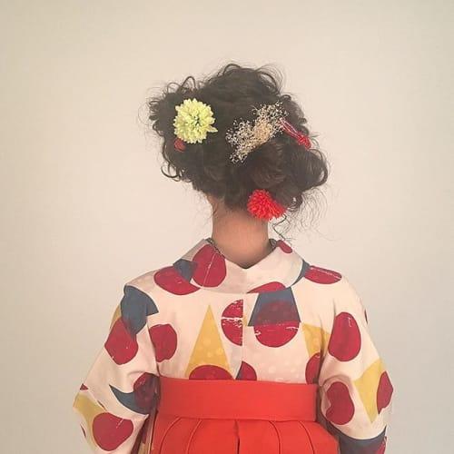 【卒業生必見!】袴が一番映えるヘアスタイルをパターン別で紹介♪のサムネイル画像