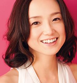 年齢を重ねても色褪せない永作博美さんの髪型をチェックしてみた!のサムネイル画像