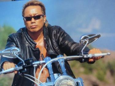 男の中の男!大人気歌手・長渕剛の男らしさが際立つ髪型まとめのサムネイル画像