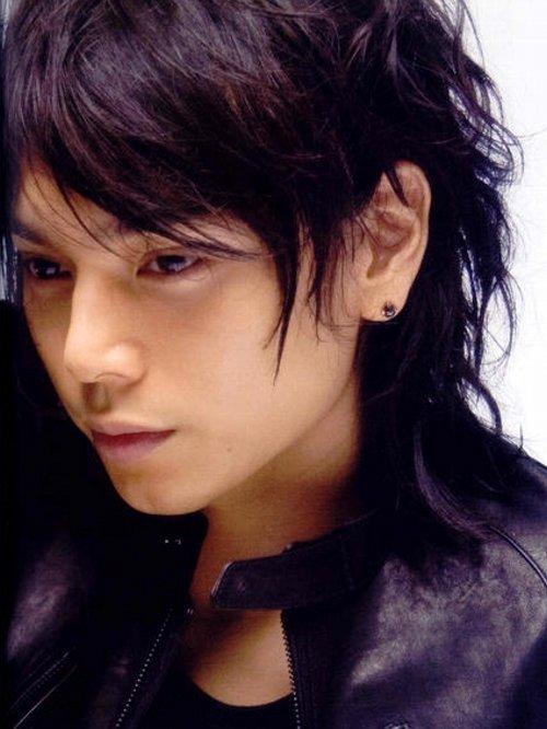 大人気イケメン俳優!水嶋ヒロの無造作ヘアで魅力的な髪型を大公開!のサムネイル画像