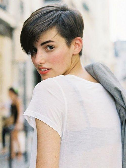 【マニッシュ】ツーブロック女子のヘアカタログ!【メンズライク】のサムネイル画像