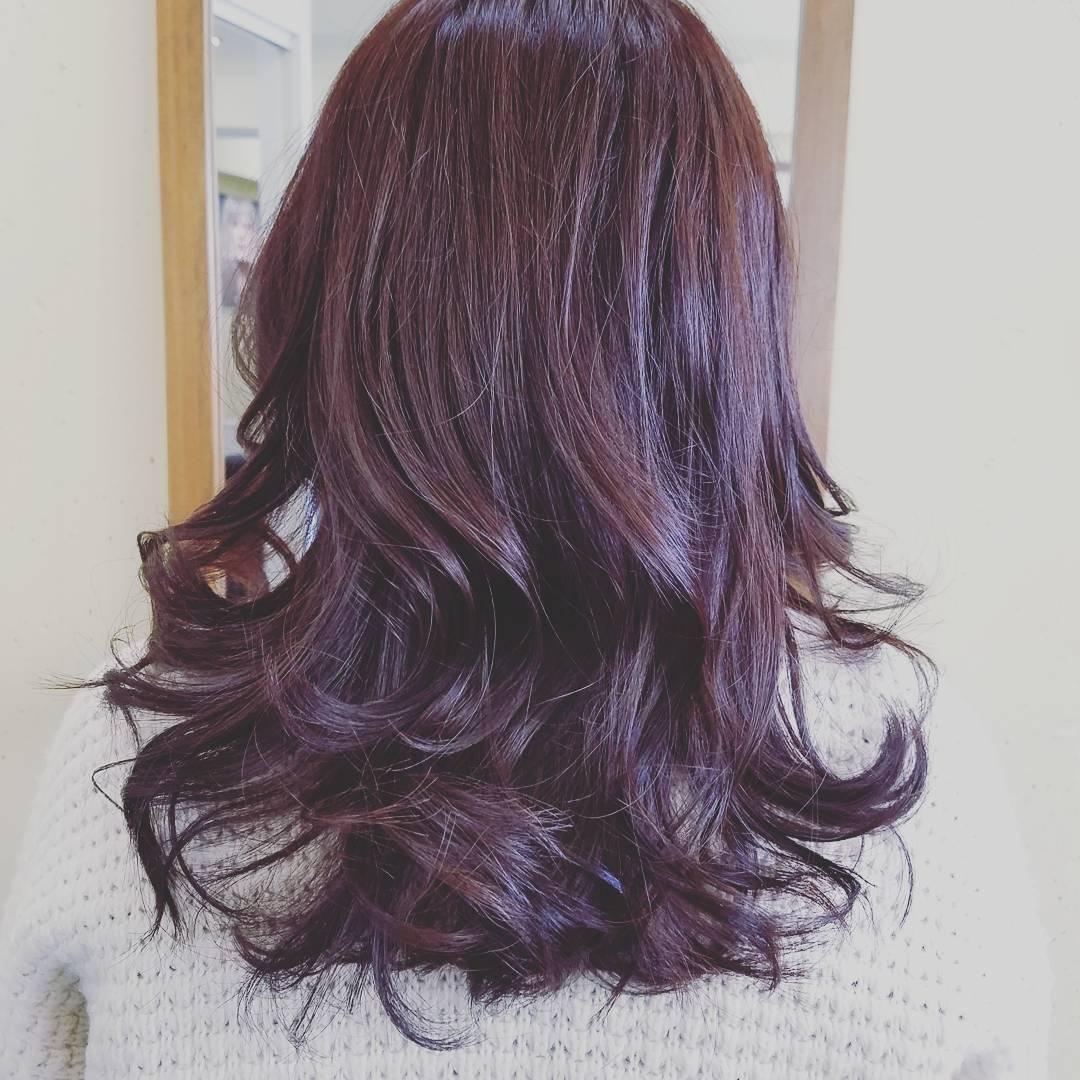 おしゃれ染めから白髪染めまで!色々な髪染めシャンプーをご紹介のサムネイル画像