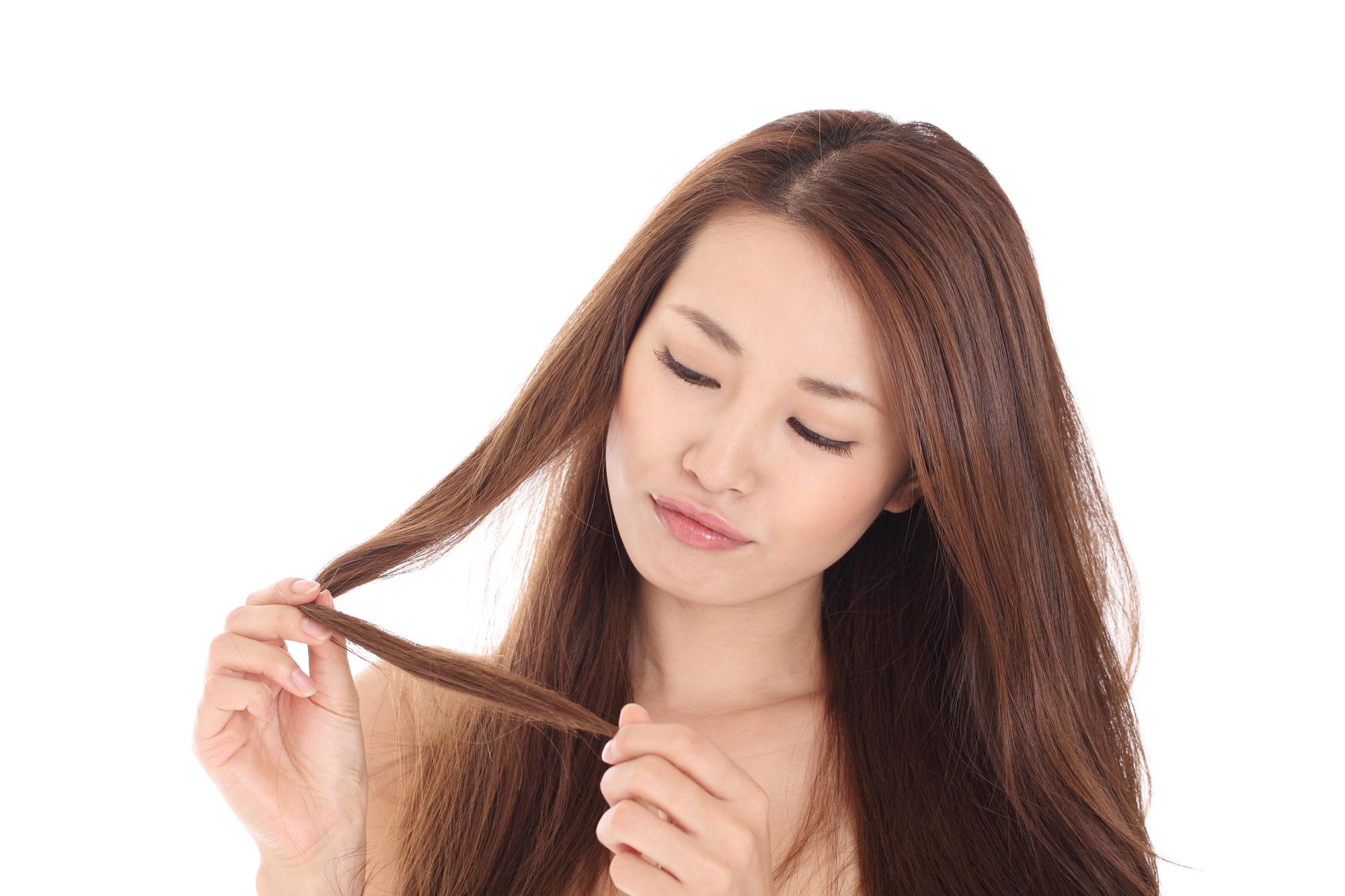 髪の毛のダメージを何とかしたい!ダメージに効果的な方法とは?のサムネイル画像