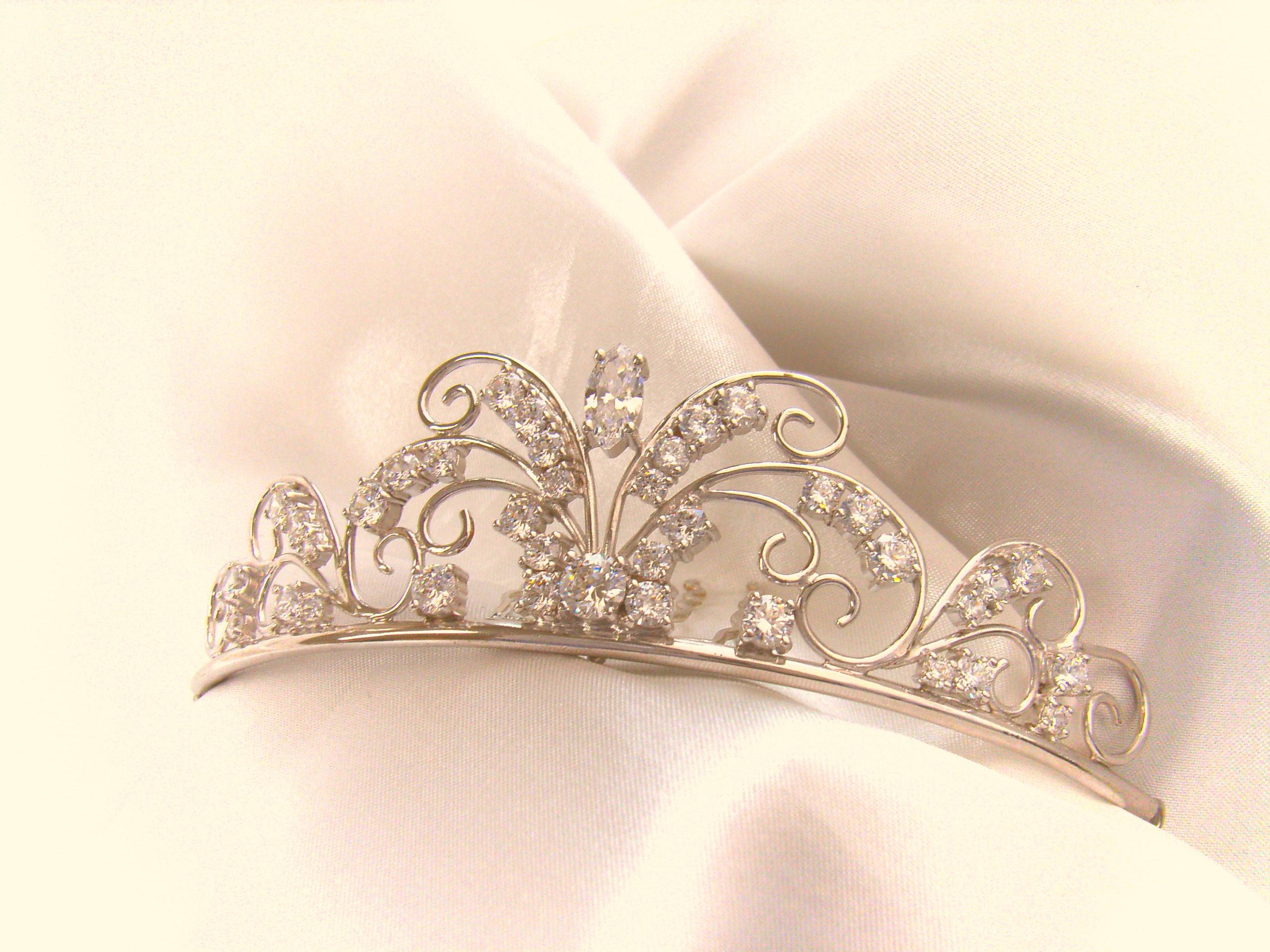 【ヘッドドレス】結婚式に花嫁がつけたいヘッドドレス画像集のサムネイル画像