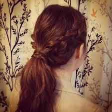 仕事中でもオシャレしたい!忙しくても簡単にできるまとめ髪集!のサムネイル画像