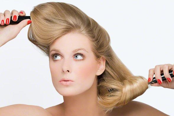 可愛いヘアスタイルで結婚式などの二次会で目立っちゃおう!のサムネイル画像