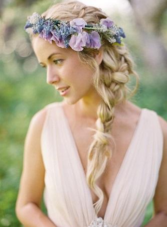 ★花嫁さん必見!花冠に似合う素敵な髪型を種類別に一挙公開★のサムネイル画像