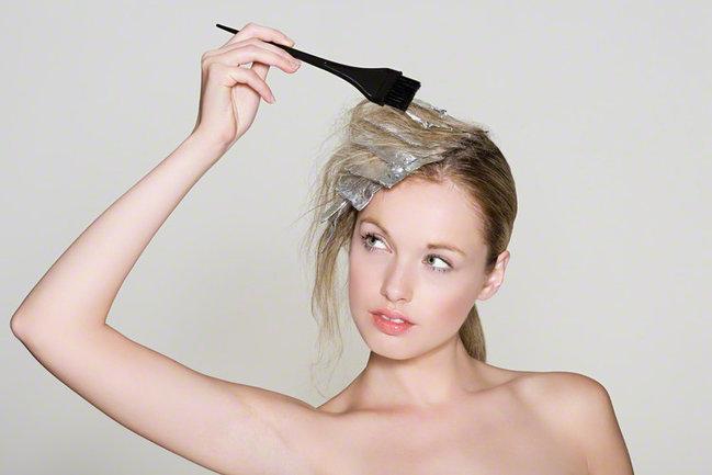 お金をかけずにオシャレしよう!セルフヘアカラーのおすすめ使用法☆のサムネイル画像