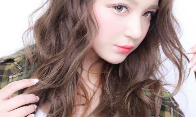 ハイライトカラーで外国人風のヘアスタイルを楽しんでみよう!のサムネイル画像