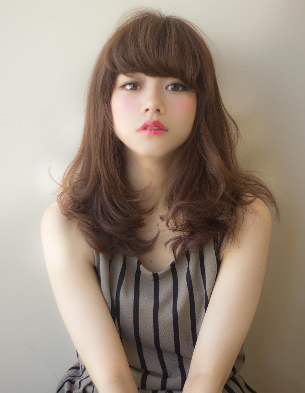 前髪にパーマをかけると可愛いです!オシャレ度アップします!のサムネイル画像