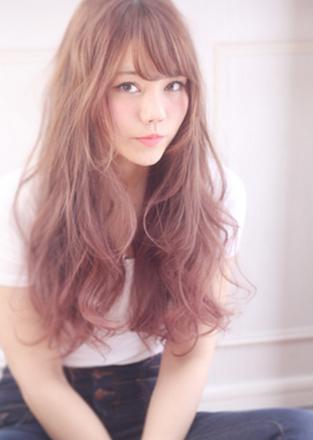 【ヘアカラー】愛され女子はピンク系!ヘアカラーでモテ髪になろう!のサムネイル画像