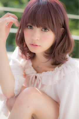 今大人気!愛され女子の定番ヘアカラーはピンク系で決まりですのサムネイル画像