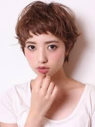 ぱっつんが可愛い☆ショートヘアもぱっつん前髪で愛されヘアに!のサムネイル画像