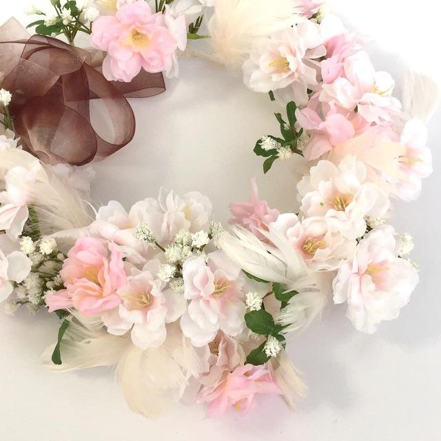 かわいい!結婚式ゲストにピッタリの華やかヘアアクセサリーのサムネイル画像