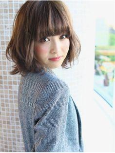 前髪まっすぐが可愛い!切り方や簡単キープ術をご紹介しますのサムネイル画像