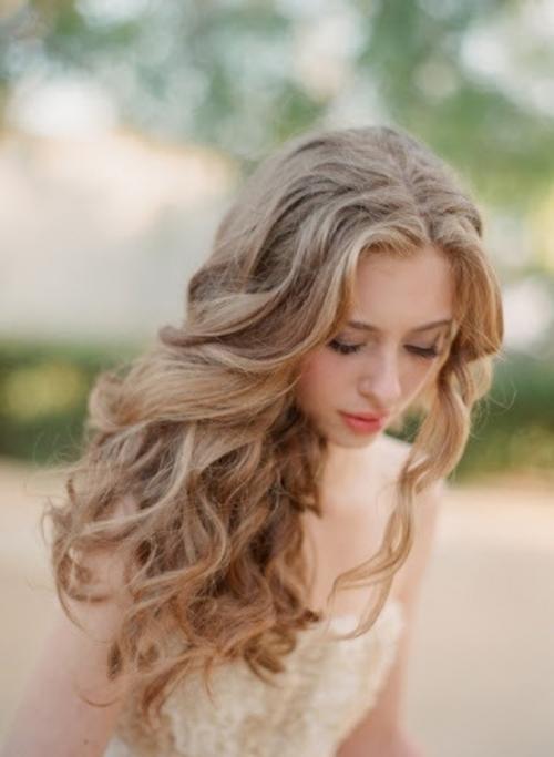 髪の毛巻き方次第で「憧れのゆるふわ」アレンジが出来ますよ♪のサムネイル画像