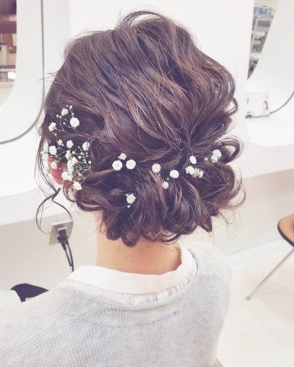ミディアムヘアの結婚式やパーティの時にオススメのヘアセットのサムネイル画像