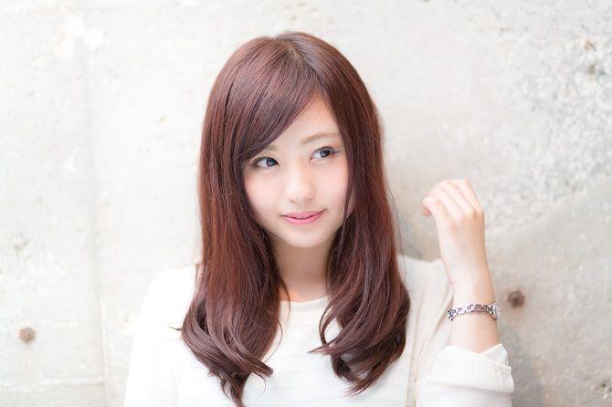 自分で出来るセルフアレンジ◎シーン別、おすすめ髪セット特集のサムネイル画像