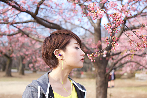 ショート×縮毛矯正☆この夏ぴったりのヘアスタイルを紹介します!のサムネイル画像
