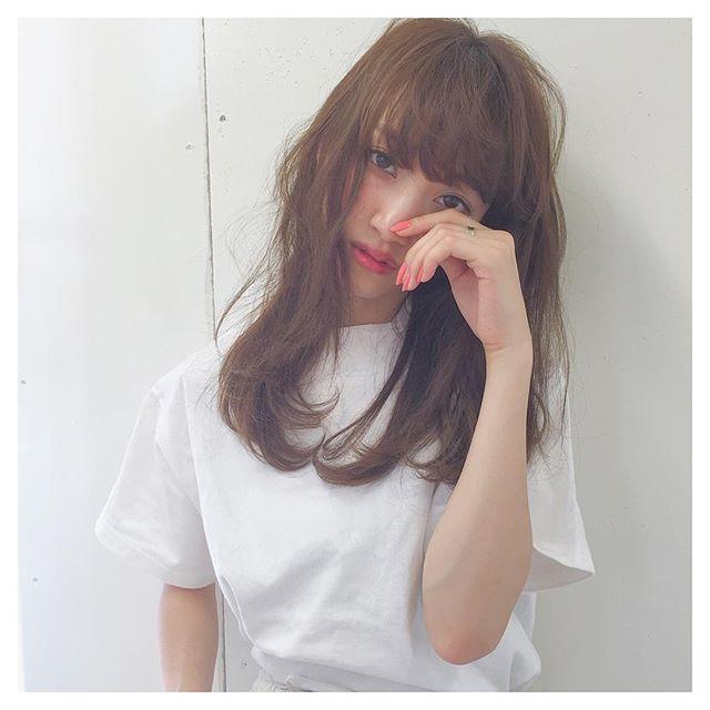 前髪が思うように決まらない そんな時はアイロンを使って前髪を流すのサムネイル画像