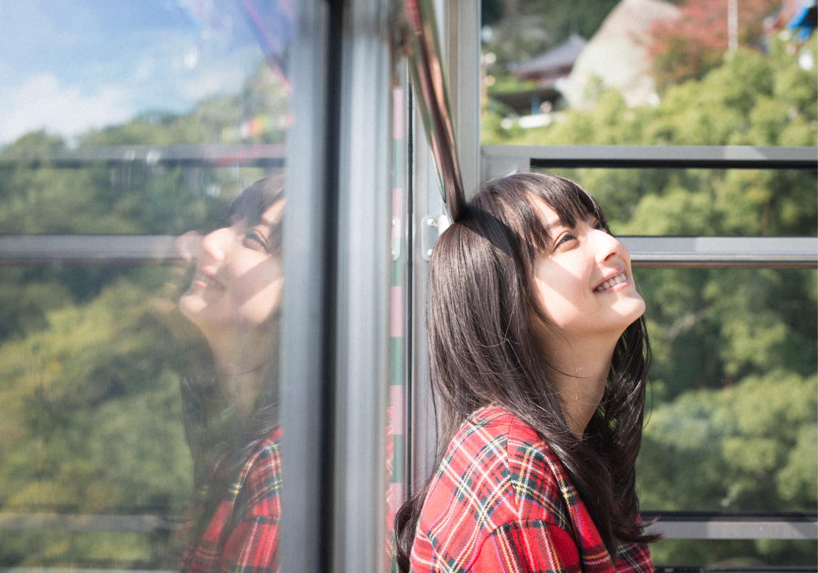 短めと長めどっちが好き?真似したくなる佐々木希さんの前髪をご紹介のサムネイル画像