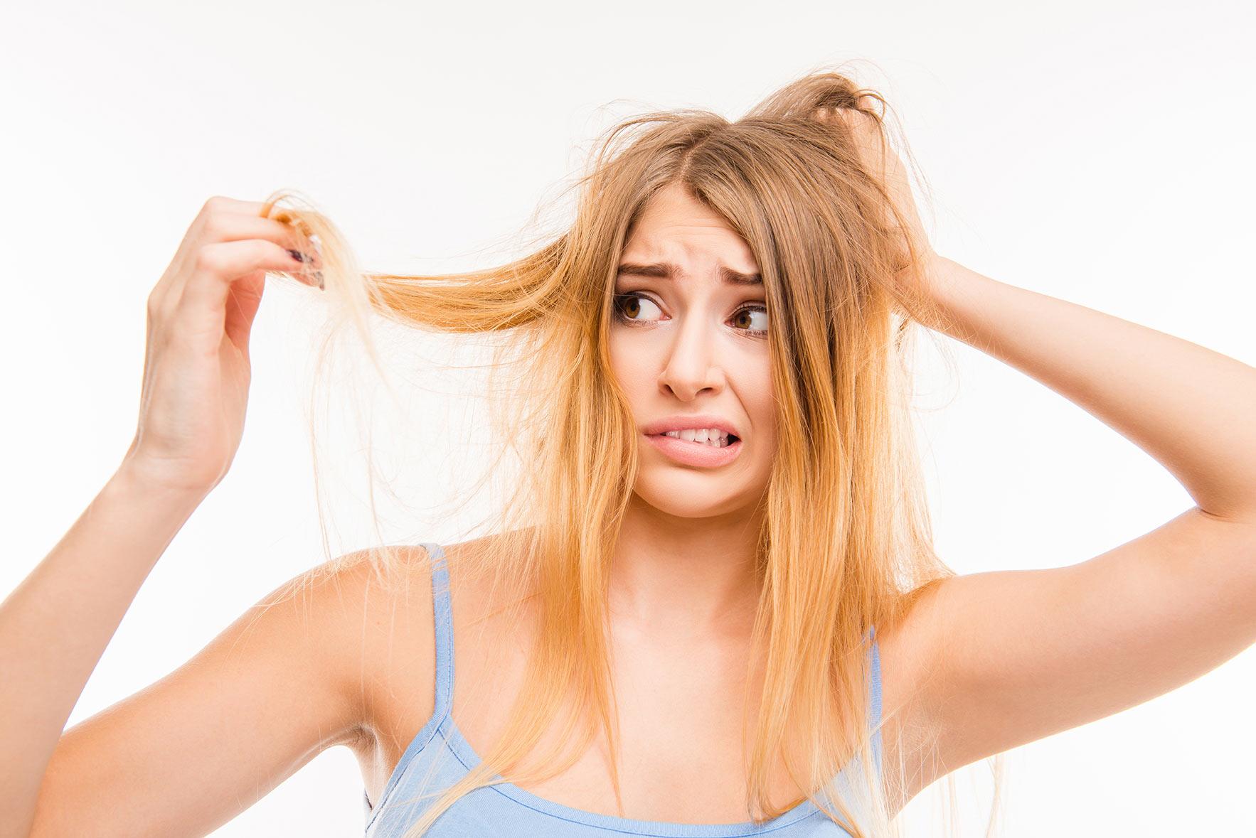 切れ毛がひどいのは髪のダメージが原因ではない?本当の原因とは?のサムネイル画像