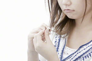 枝毛&切れ毛に悩まされることなく、キレイに髪を伸ばす方法♡のサムネイル画像