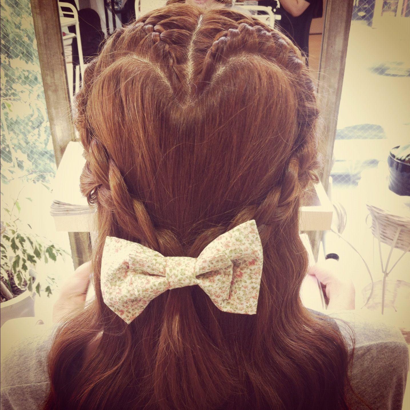 シーン別編みこみヘアセット!お洒落で真似したい編みこみヘアまとめのサムネイル画像